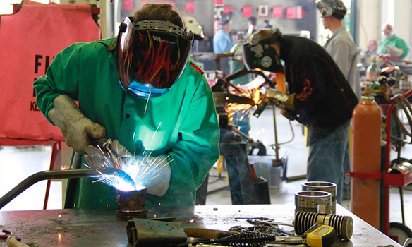 welding students in skills lab